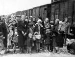 奥斯维辛集中营女囚犯被残害旧照 触目惊心